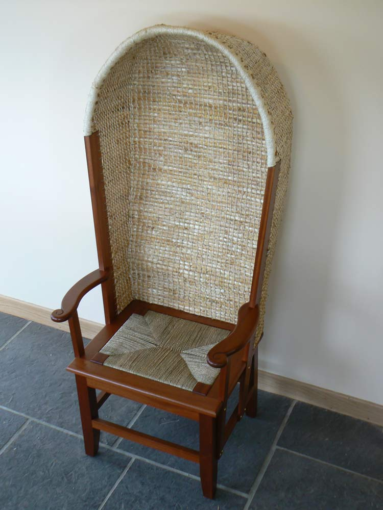 Gents Hooded Chair (Sapele)   £1280.00